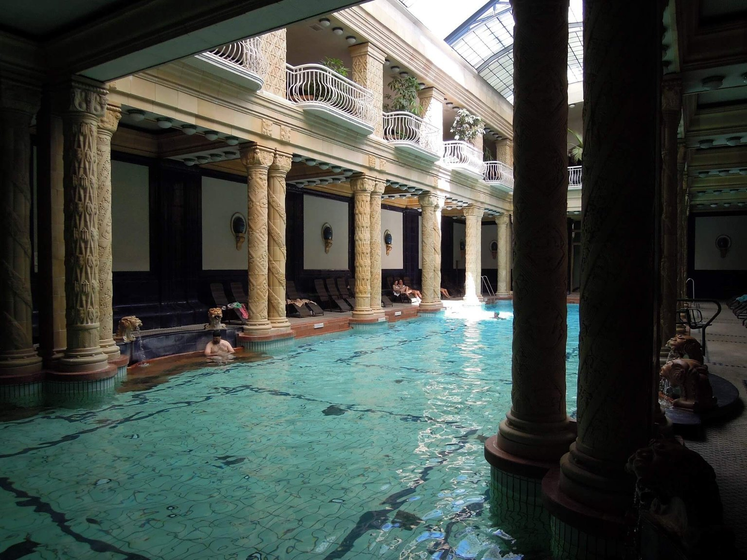 Купальня Геллерт - лучшая купальня Будапешта