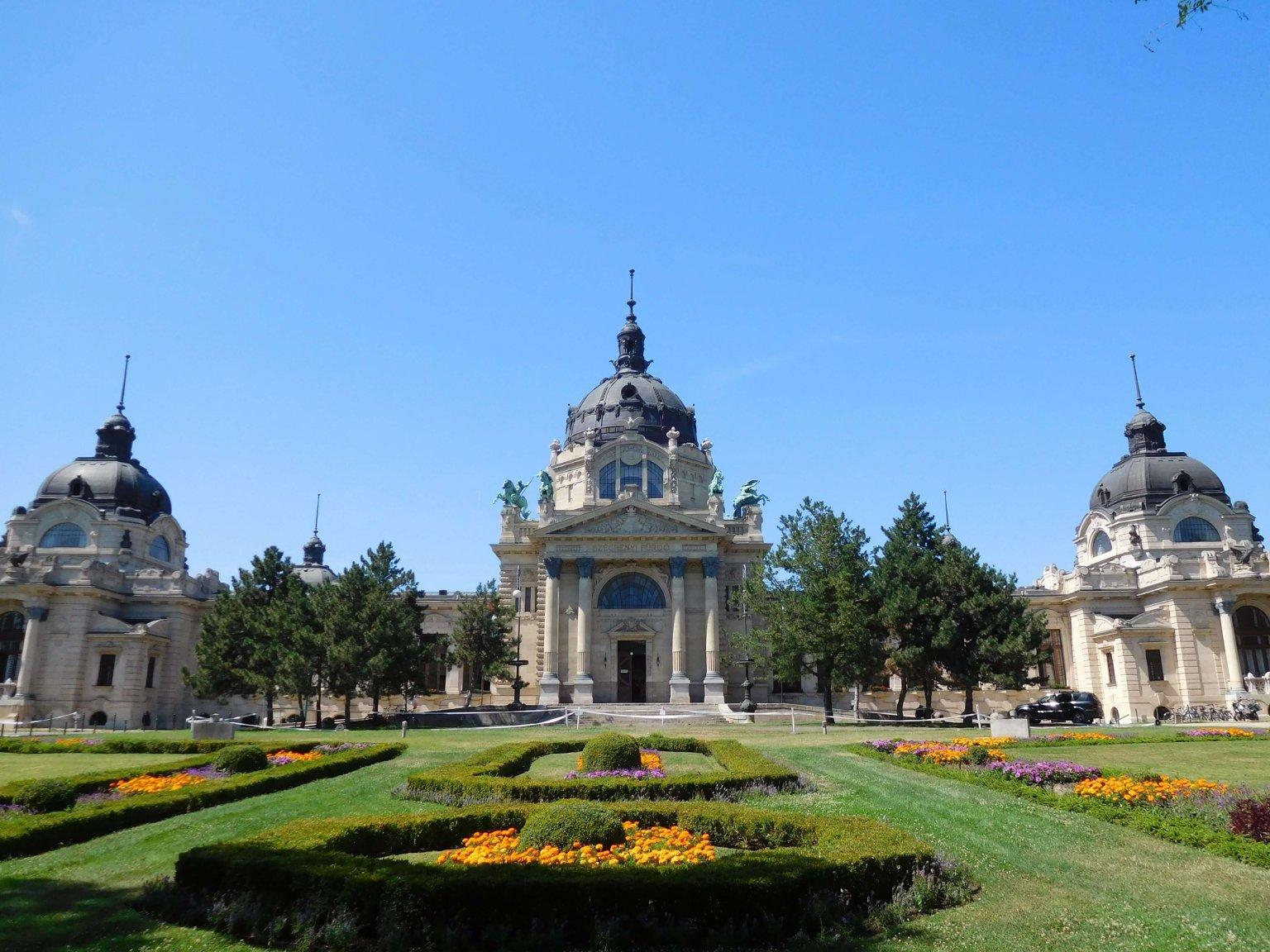 Купальня Сечени - первая купальня Будапешта