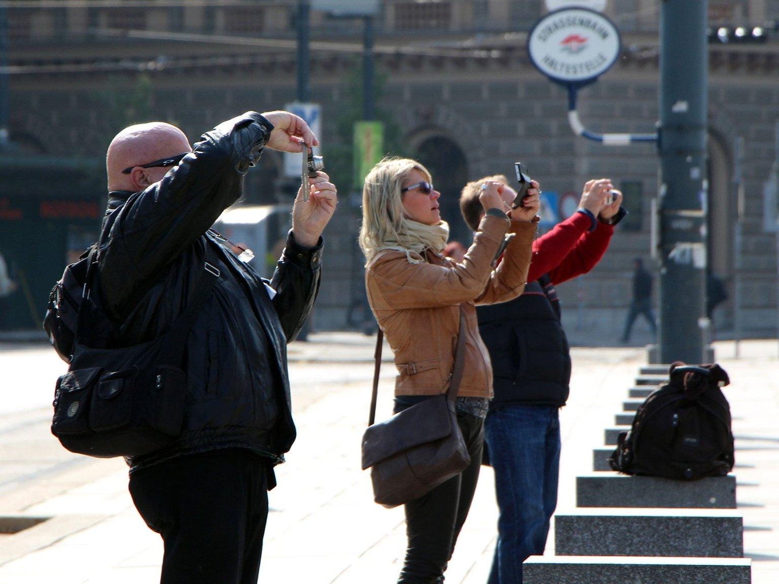 Туристы из Будапешта на экскурсии в Вене